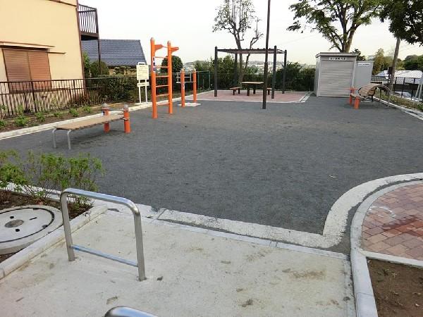弘明寺北の前公園(弘明寺北の前公園まで600m お子様との日々のお散歩コースにいかがでしょうか!)