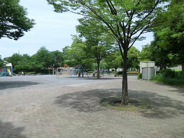 東山田ゆうやけ公園(東山田ゆうやけ公園まで250m)