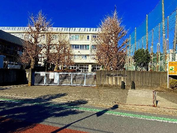 狛江第四中学校(成長の過程でより濃い時間を過ごす3年間。お子様にとって、とても大切な思い出となるはずです。)