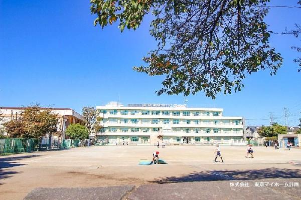 小金井市立東小学校(小金井市の教育推進拠点校になっている小学校です。)